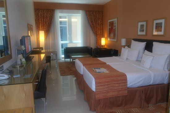 Four Points by Sheraton Downtown Dubai:                   Large twin room