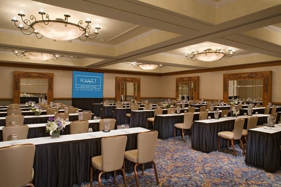 Hyatt Westlake Plaza in Thousand Oaks: The Grand Plaza Ballroom with a classroom setup