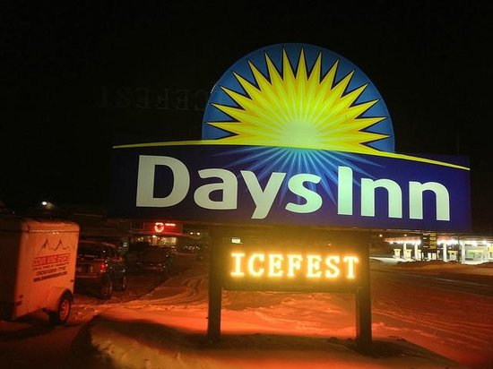 Days Inn Munising (M-28 East):                   Welcome for Ice Climbers!