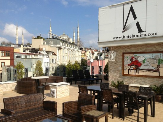 Hotel Amira Istanbul: Rooftop towards the city.