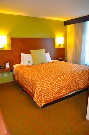 Hyatt Place San Antonio-North/Stone Oak: Bed Room Area