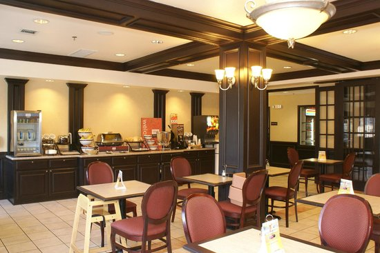 Comfort Inn &amp; Suites Texas Hill Country: Breakfast area