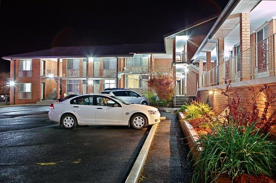 Governer Macquarie Motor Inn