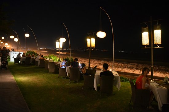 The Samaya Bali:                   Breeze Restaurant in the night