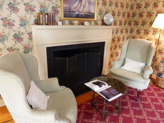 The Carlisle House Inn :                   Cozy, working Fireplace with sitting area