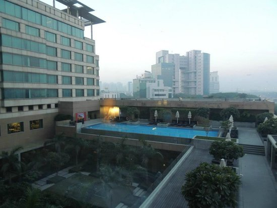 Crowne Plaza Hotel Gurgaon:                   Pool