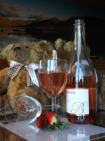 Lodge on Loch Lomond:                                                       teddies and wine mmmmm