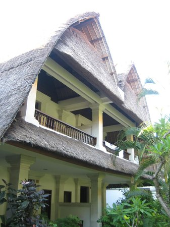 Puri Raja:                   Some of the rooms have thatched roofs