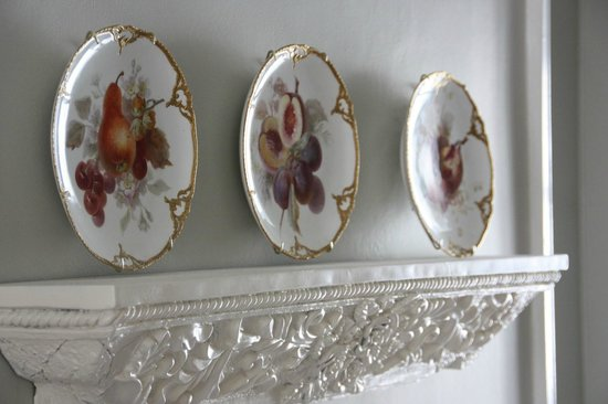 Staveleigh House:                   Decoration