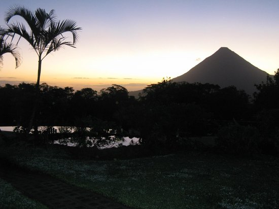 Arenal Lodge:                   Volcan Arenal in the clear at dawn