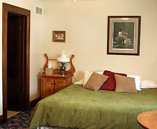 Carriage House Bed and Breakfast