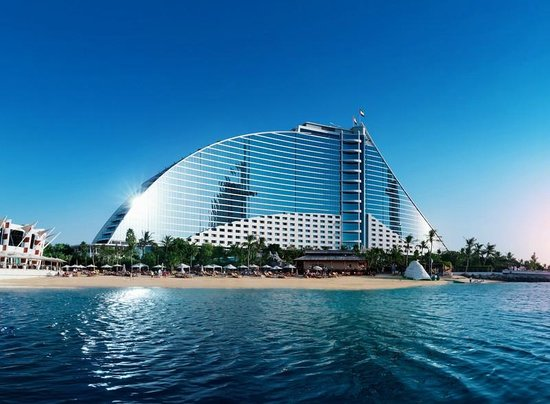 Jumeirah beach hotel dubai united arab emirates for Best luxury family hotel dubai