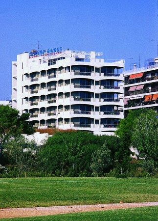 Kalamaki, Hellas: The hotel from the marina