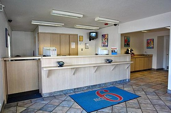 Motel 6 Indianapolis - East Photo