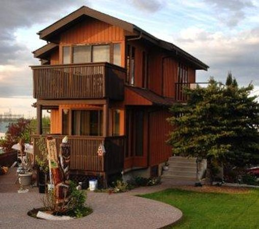 Photo of City View Bed And Breakfast Calgary
