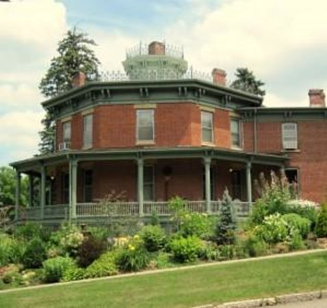 Photo of Lawther Octagon House Bed and Breakfast Red Wing