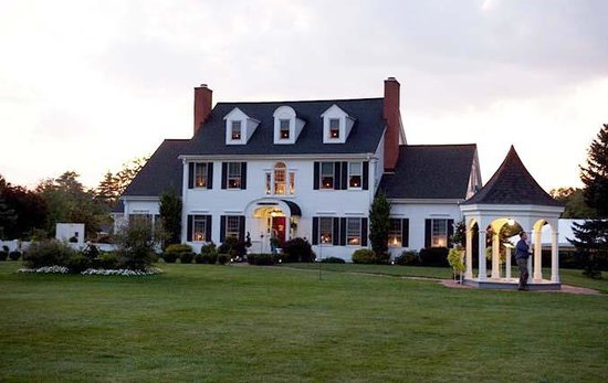 ‪Five Bridge Farm Inn Bed & Breakfast‬