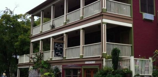 Photo of All Seasons Inn Eureka Springs