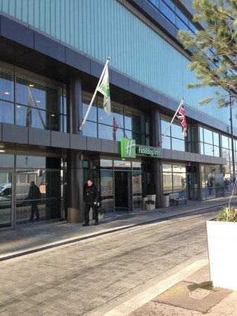 Holiday Inn Manchester MediaCityUK:                   The hotel's entrance