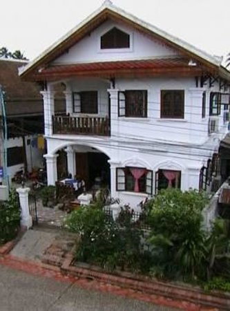 Rattana Guest House