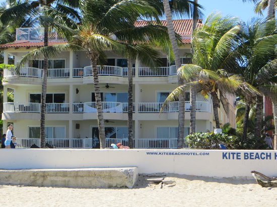 Kite Beach Hotel:                   from the beach
