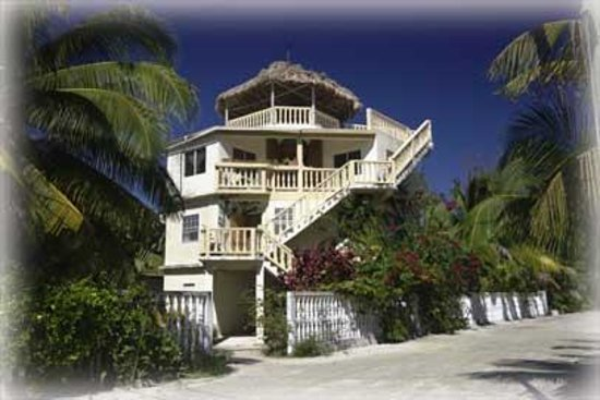 Lazy Iguana Bed and Breakfast: front view of B&amp;B