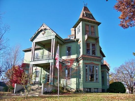 Photo of Branson House Bed & Breakfast Petersburg