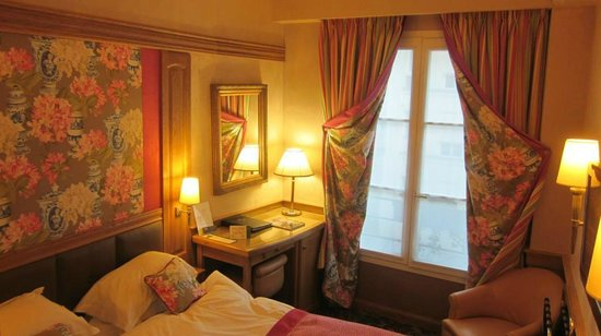 Hotel La Perle:                   Typical Room