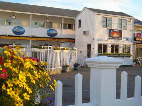 Ship's Inn Resort