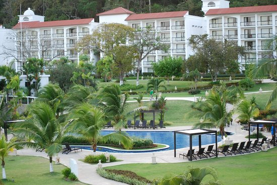InterContinental Playa Bonita Resort and Spa:                   jardins