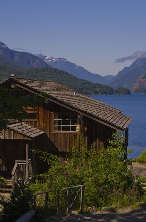 Strathcona Park Lodge & Outdoor Education Centre: Seal House accommodation and view.