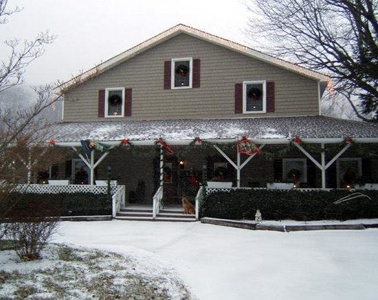 Photo of Little Main Street Inn Banner Elk
