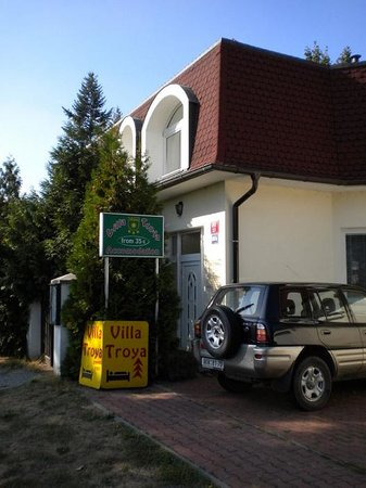Villa Troya