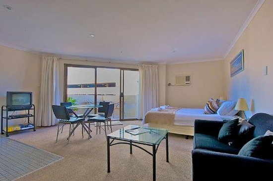 Photo of Waterside Holiday Apartments Manly