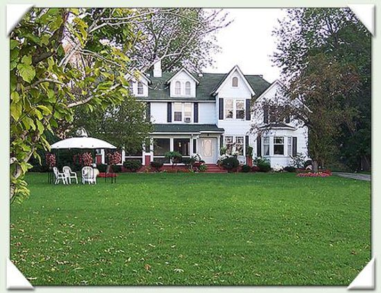 Windsor Inn on the River Bed and Breakfast