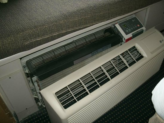 Microtel Inn by Wyndham Lexington:                   broken heater/air