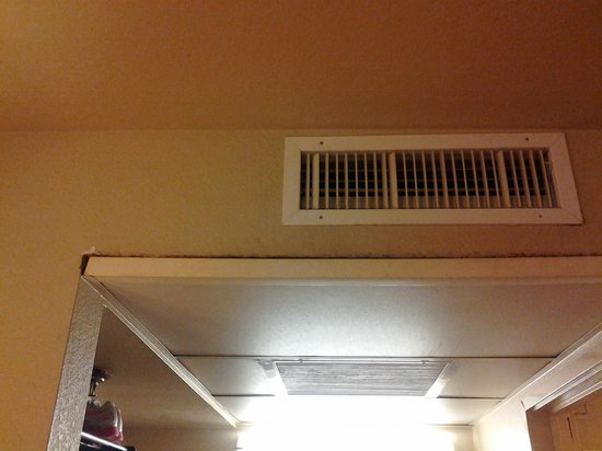 Travelodge Riviera Beach/West Palm:                   mold around a/c
