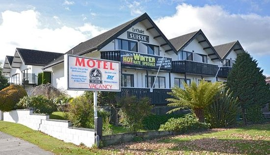 le chalet suisse motel taupo new zealand motel. Black Bedroom Furniture Sets. Home Design Ideas