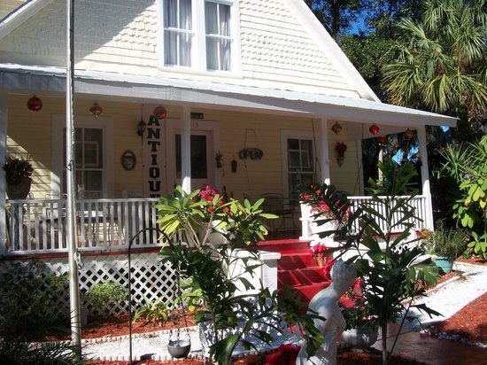 Photo of Ashley's Victorian Haven Bed And Breakfast Tarpon Springs