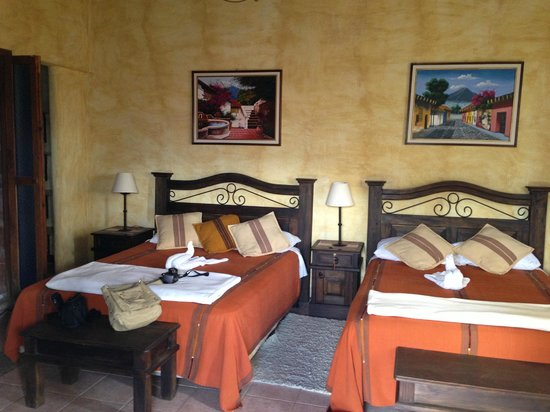 Hotel Casa del Parque:                   Very large room, comfy beds, very clean.