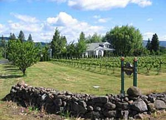 Photo of Vineyard View Bed & Breakfast Hood River