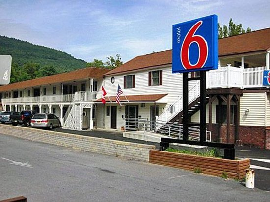Motel 6 Lake George Photo