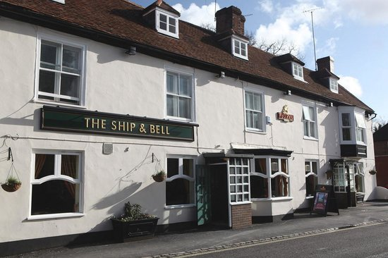 Ship & Bell Hotel