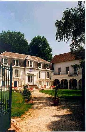 Photo of Hotel Trianon Bagneres-de-Bigorre