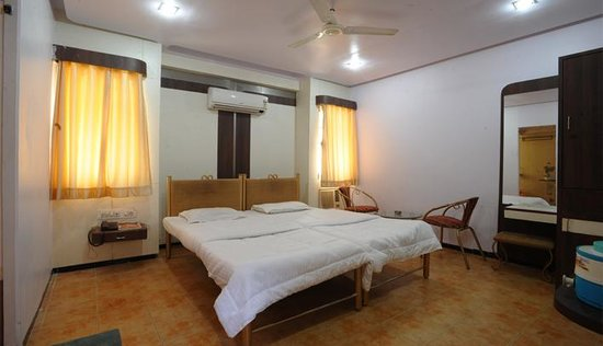 Photo of Hotel Jal Sagar Vadodara