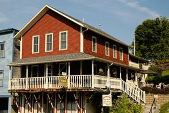 Brewster&#39;s Red Hotel 