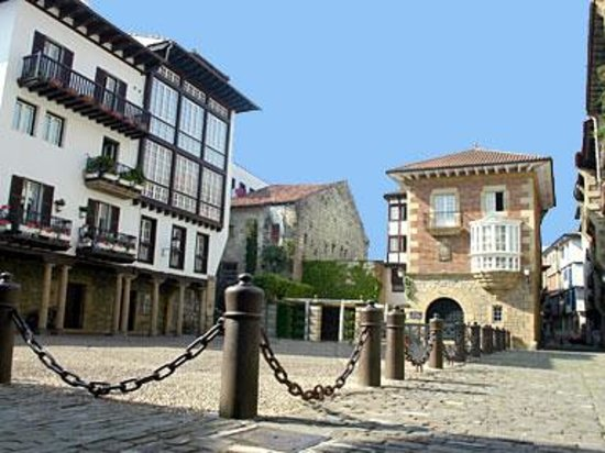 Photo of Hotel Palacete Hondarribia