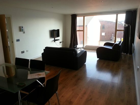 Staycity Serviced Apartments Laystall St:                   living room
