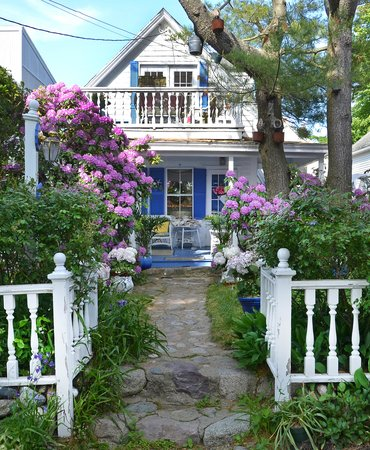 Photo of A Lady Winette Cottage Bed & Breakfast Marblehead
