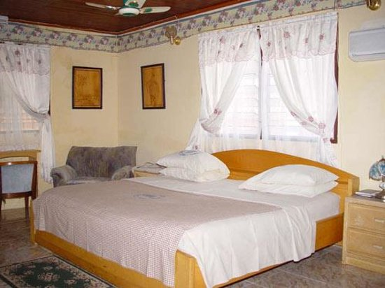 Photo of Pedu Guest House Cape Coast